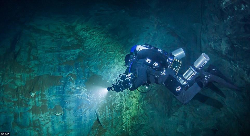 Обнаружена самая глубокая подводная пещера в мире.